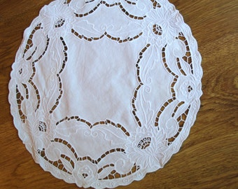 Polish Round Richelieu Linen Traycloth, Doily, Vintage White Dresser Scarf, cutwork embroidery Polish linen Wedding richelieu embroidery 80s