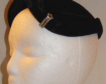 Sweet Vintage Black Velvet Ladies' Hat - With Rhinestone Decoration