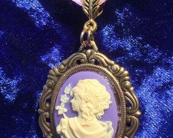 Love For Lavender Cameo Pendant Necklace