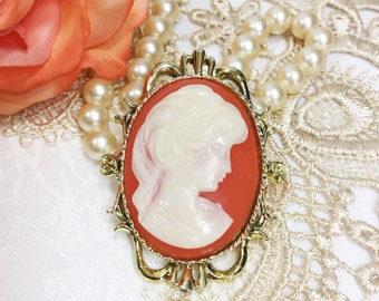 Sunnning Vintage Oval Pearl and Ivory Gerry's Cameo Brooch, Cameo Pin, Cameo Jewelry, Victorian #A78