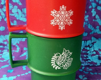 70's ~ Vintage Christmas Tupperware ~ Mugs ~ Winter Coffee Cups ~ 1970's ~ Hot Chocolate Fun ~ Stackable ~ Green & Red ~ Tea Cups