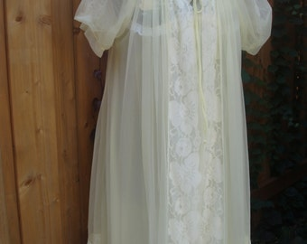 Vintage 1960's Yellow VAL-HAU & Miss Elaine Sheer 2 Piece Babydoll Set / Negligee / Night Gown