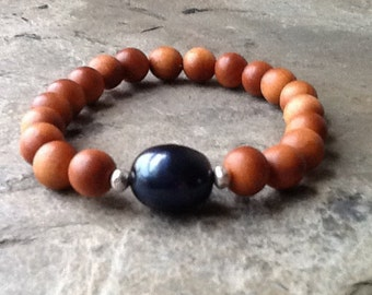 Sandalwood With Black Pearl Stretch Bracelet