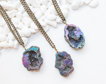 Large Geode Nugget Necklace, Rainbow Geode Necklace, Sparkly Stone Necklace, Geode Necklace, Rainbow Stone Necklace, New Crystal Necklace