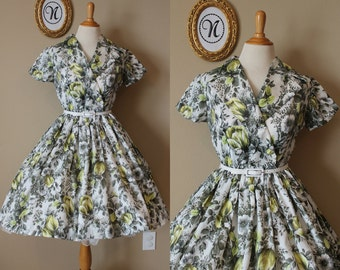 Vintage 1950s ~ 50s Floral Swing Dress. Tulip Fields