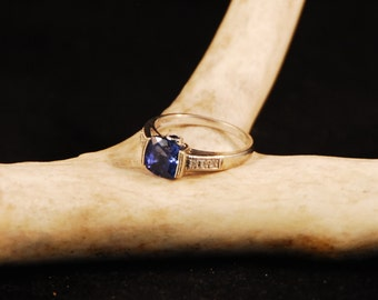 Vintage synthetic Sapphire and Diamond ring in 10K gold.