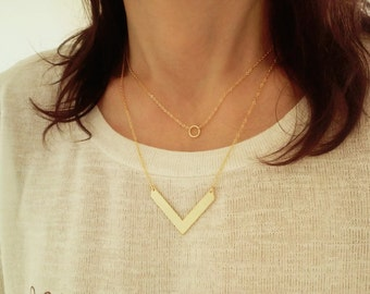 Small Circle Necklace / Gold Round Necklace / Minimal Jewelry / Circle Choker / Everyday Geometric Jewelry / Layered Necklace / N172