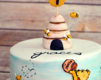 Winnie The Pooh Cake Decorating Kit (100% Edible)