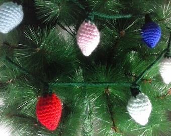 Christmas crochet ornaments.   Ornamentos de crochet navideños