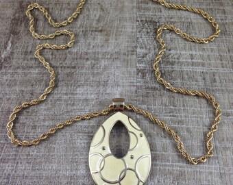 Gorgeous Vintage Estate Large Cream Colored Enamel Gold Tone Necklace