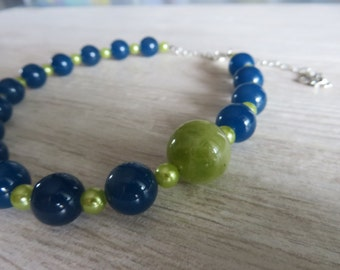 Necklace for girls. Piece unique, handmade, with beads, chain and pendant. Gift idea for birthdays and special occasions.