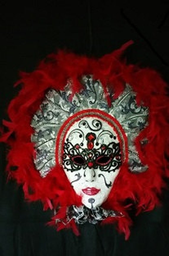 Red Courtier Mask