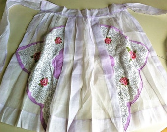 Sheer Purple Apron with Scalloped Handkerchief Pockets/Pink Roses/Vintage Hankie Apron/Vintage Kitchen/Retro Cooking