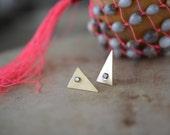 opal triangle post stud earrings, brass, brushed // OPAL TAPER