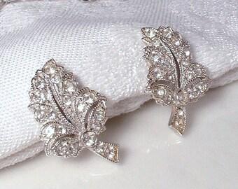 Art Deco TRUE Vintage Clear Rhinestone Bridal Leaf Earrings Screw Back ORA Heirloom Pave Crystal Leaves Downton Abbey 1920s Screwback