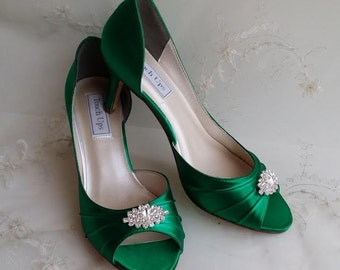 Emerald Green Bridal Shoes Green Wedding Shoes Green Bridesmaid Shoes with Sparkling Brooch - Over 100 Color Shoe Choices to Pick From