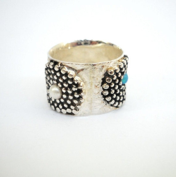 Dotted silver ring , Ring set with a white pearl ,Turquoise Opal and Red Garnet stone ,Gorgeous sterling silver ring,Wedding band