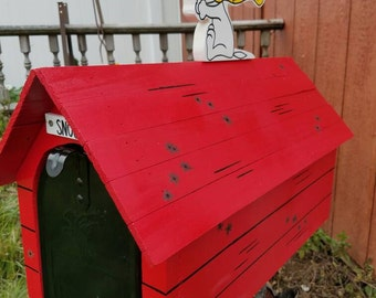 Snoopy Flying Ace Mailbox. (MAILBOX INCLUDED)