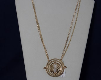 Hermione's A Turner of Time Necklace (Gold)