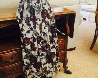 Beautiful silk print maxi skirt from the 80's