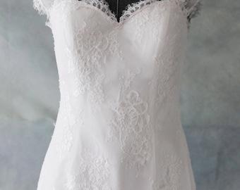 Elegant Short Knee Length French Lace Wedding Dress with  Cap Sleeves and Keyhole Back