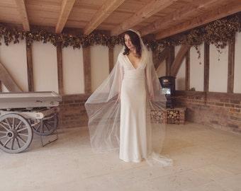 Juliet cap veil, Kate Moss style, lace veil, 1920s 1930s, English net veil, like silk tulle, fingertip, waltz, chapel, cathedral length