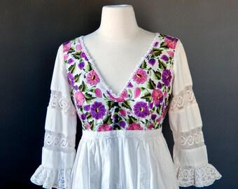 Vintage Floral EMBROIDERY Bohemian MAXI DRESS / Mexican wedding dress / Romantic Beach Destination