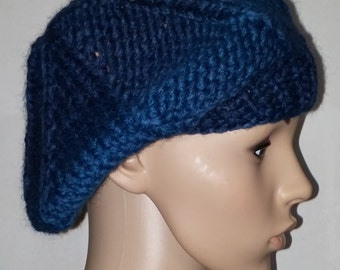 Blue thick knitted beret for various carrying modes