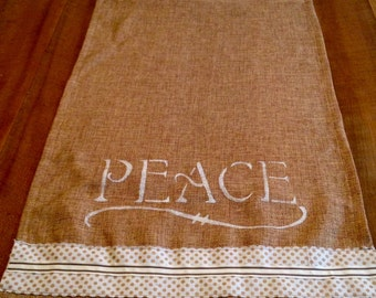 Jessie Holiday burlap table runner