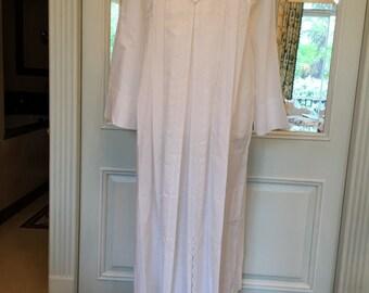 Vintage 1960s dress Small White cotton Eyelet Floral design threadwork pleats full length For clothing girl women costume