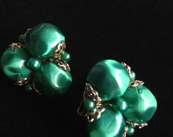 Gorgeous Green Vintage Clip On Earrings.