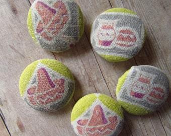 "Festive Set of Handmade Feedsack Buttons - Set of 5 - Size 45 - 1  1/8"""