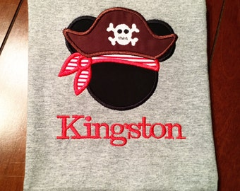 Mickey Pirate appliqué tshirt