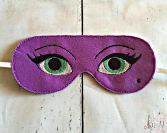 Green eyed sleeping mask