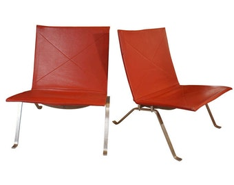 Pair of PK 22 Red Leather Chairs by Danish Designer Poul Kjaerholm
