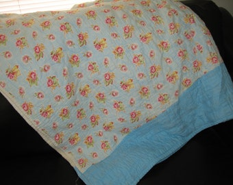 Shabby Chic/Blanket/Quilt/Throw/Cabbage Roses/Very Old
