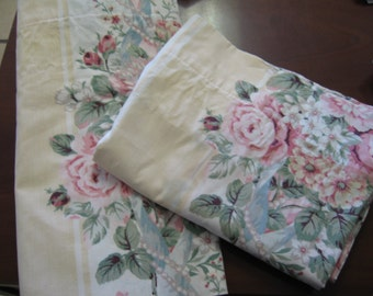 Set of Two Window Lovely Vintage Valances/Shabby Chic/Cabbage Roses