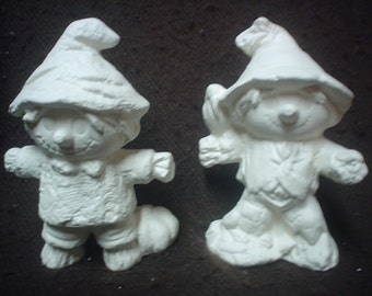 "TWO Ceramic Bisque 4"" Scarecrows - Ready to Paint - C522"