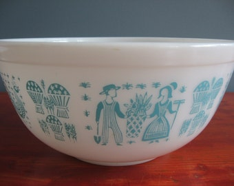 Vintage Pyrex 403 Amish Butterprint Mixing Bowl