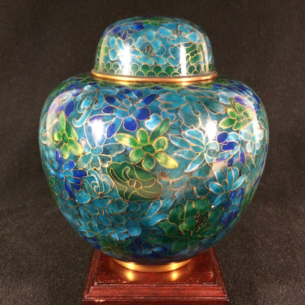 fine chinese cloisonn ginger jar blue and green with floral. Black Bedroom Furniture Sets. Home Design Ideas
