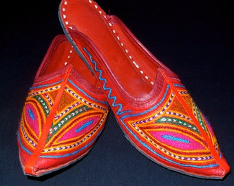 Rajasthani Tribal Gypsy Handmade Leather Embroidered Shoes Mojare Khussa sz.7