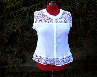 Womens size 18 upcycled blouse, white cotton & lace top, restyled white lace edged top, sleeveless lace trimmed top.