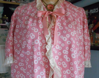 Pretty 1940's Pink and White Bed Jacket