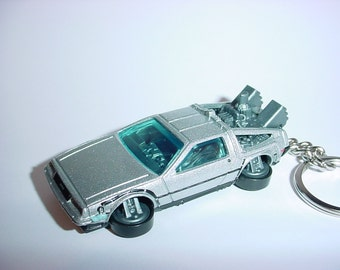 3D hover Delorean DMC-12 time machine custom keychain by Brian Thornton keyring key chain finished in silver color trim diecast metal body
