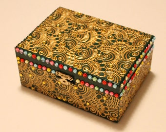 Green/Gold/Multicolor Henna Box