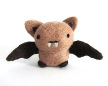 Needle Felted Bat, Felt Bat, Bat Plush, Bat Ornament, Miniature Bat, Bat Decor, Bat Figurine, Bat Gift, Wool Bat, Halloween Decor, OOAK gift