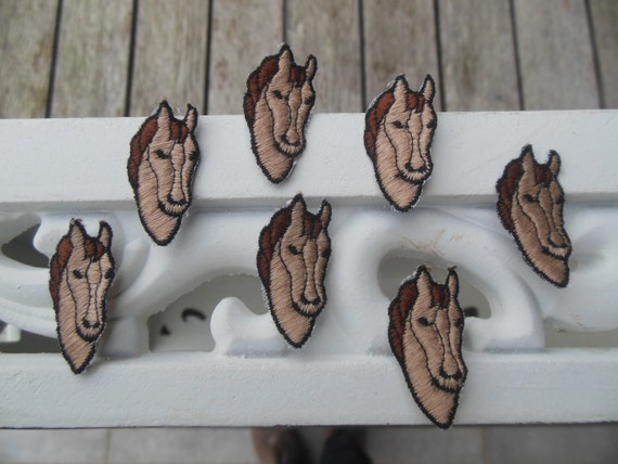 "7 Horsehead Patches - 7 Embroidered Applique - Horsehead - Size 1,38"" x 0,59"" (3,5 x 1,5 cm)"