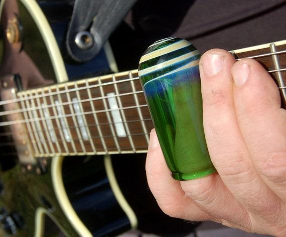 guitar slide hand blown emerald green glass slide size 9. Black Bedroom Furniture Sets. Home Design Ideas