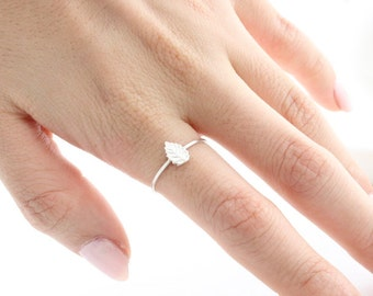 Little Leaf Ring in Sterling Silver