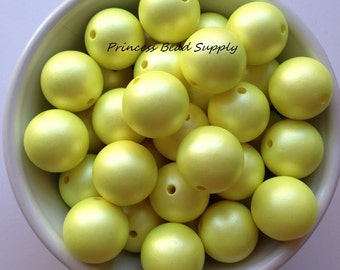20mm Pastel Yellow Matte Pearl Chunky Beads Set of 10,  20mm Yellow Pearl Beads, Yellow Matte Pearls, 20mm Pearls, Bubble Gum Gumball Beads